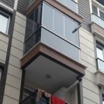 siyah-katlanir-cam-balkon